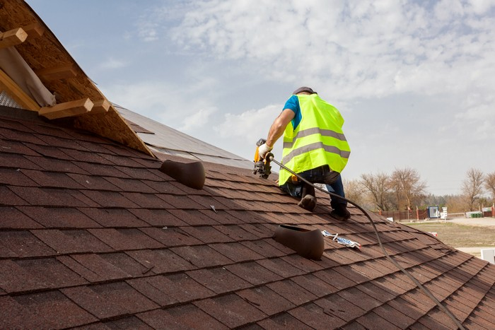 Roofer-Puyallup-WA